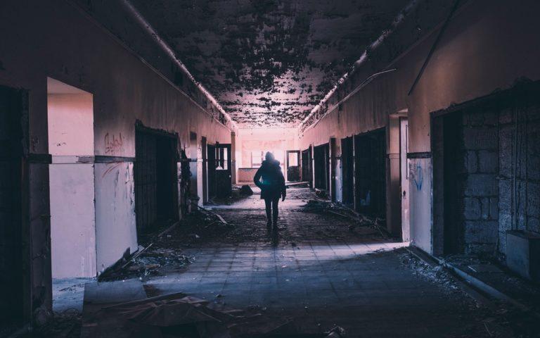 scénario survivant abandonné